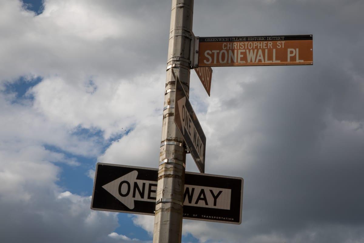 Stonewall place –liikennemerkki.