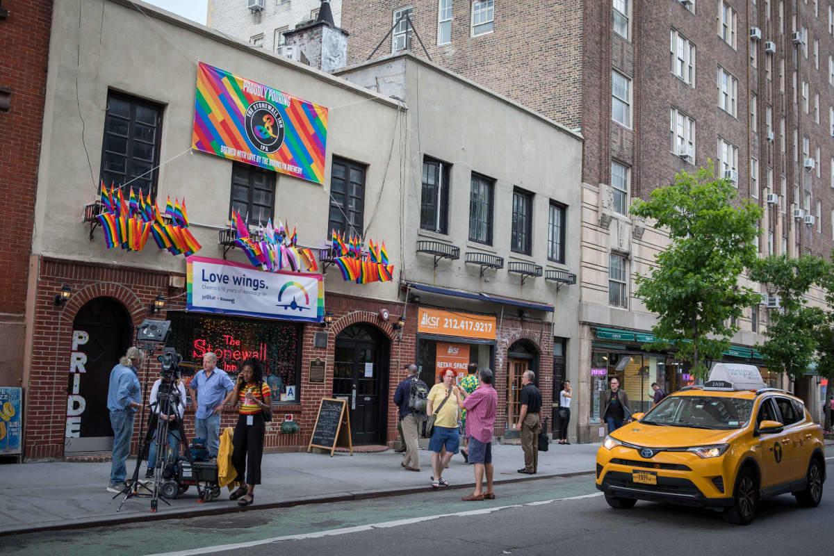 Ulkokuva Stonewall Inn –baarista.