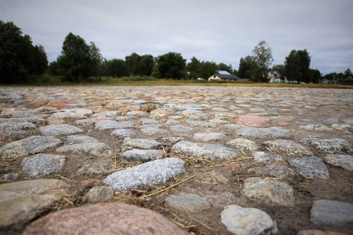 Vanhan Vaasan vanhan torin kivetystä