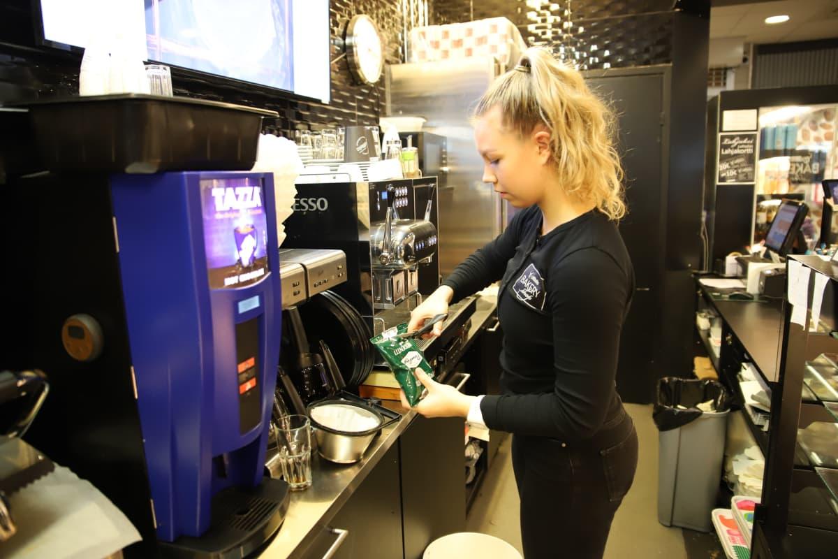 Pienessäkin kahviossa syntyy kahvijätettä, jopa 40 litraa päivässä.