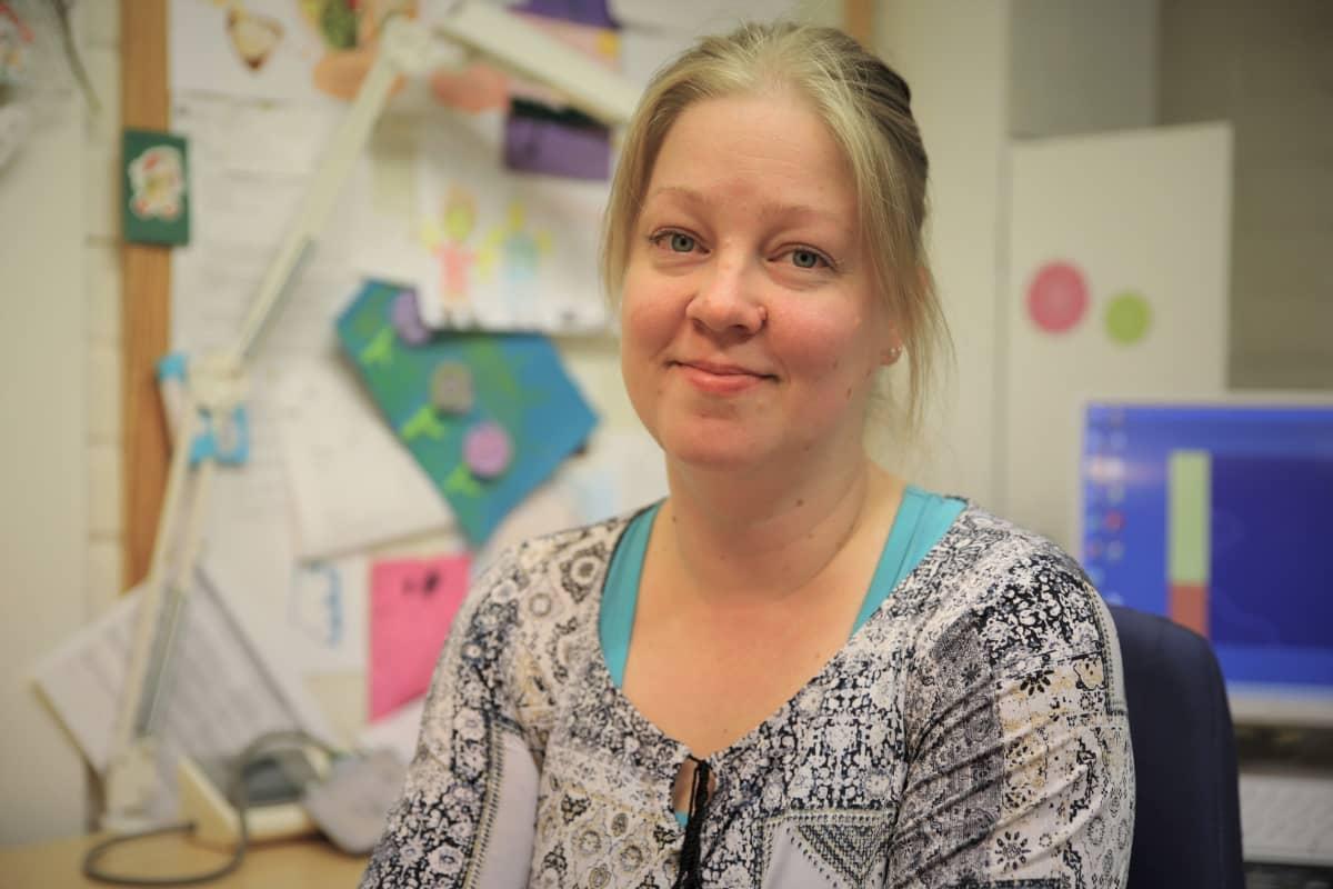 Terveydenhoitaja Henna Koponen.