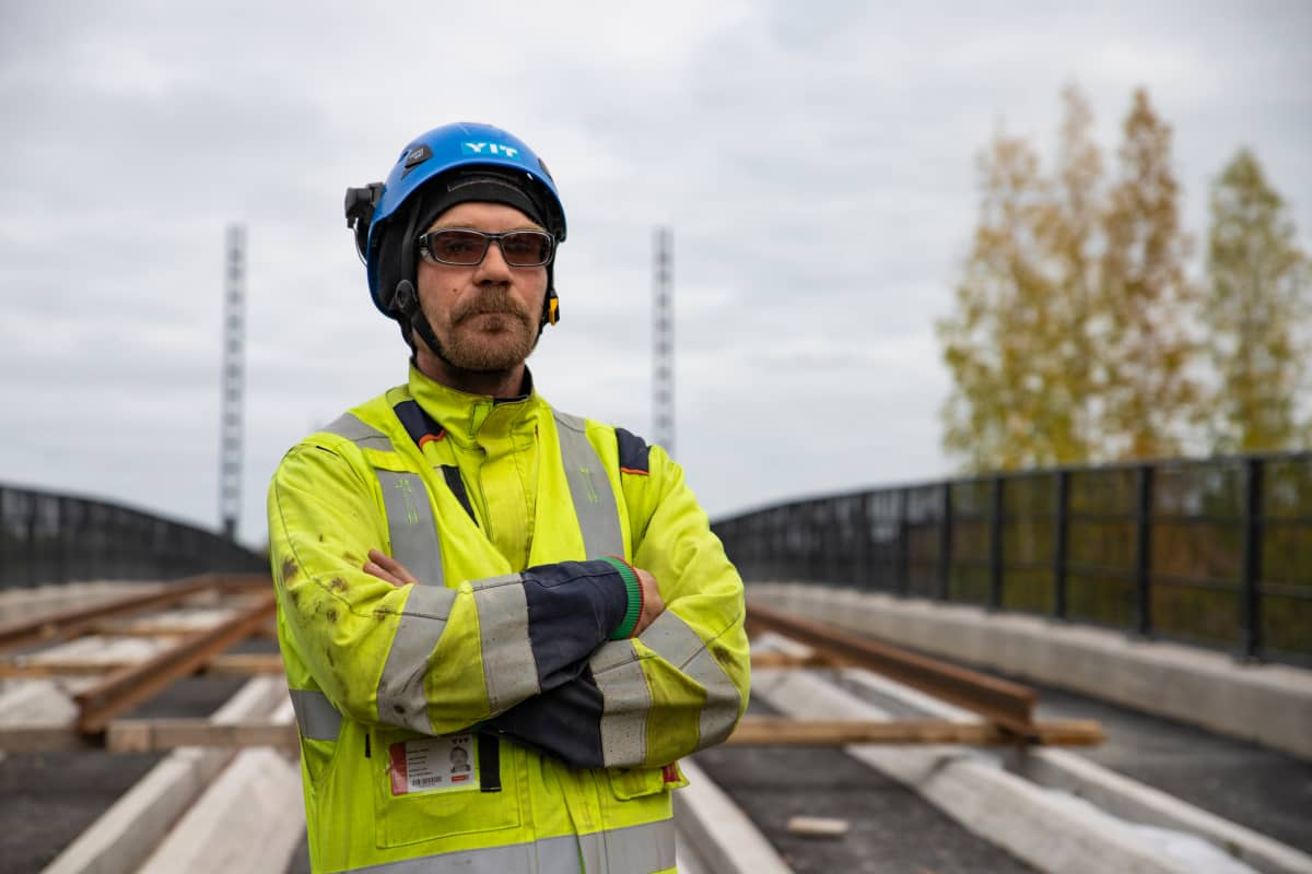 raitiotietyömaan rakennusmies Markus Heino