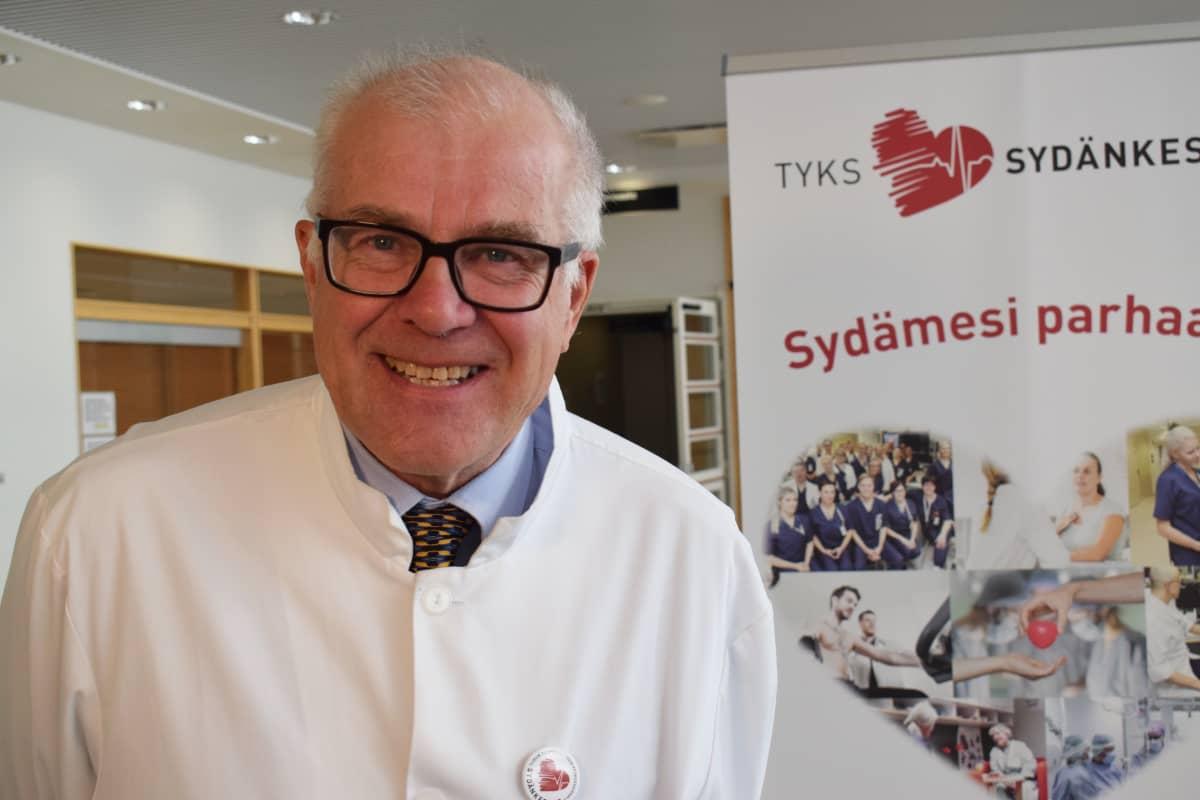 Tyksin Sydänkeskuksen johtaja, professori Juhani Airaksinen