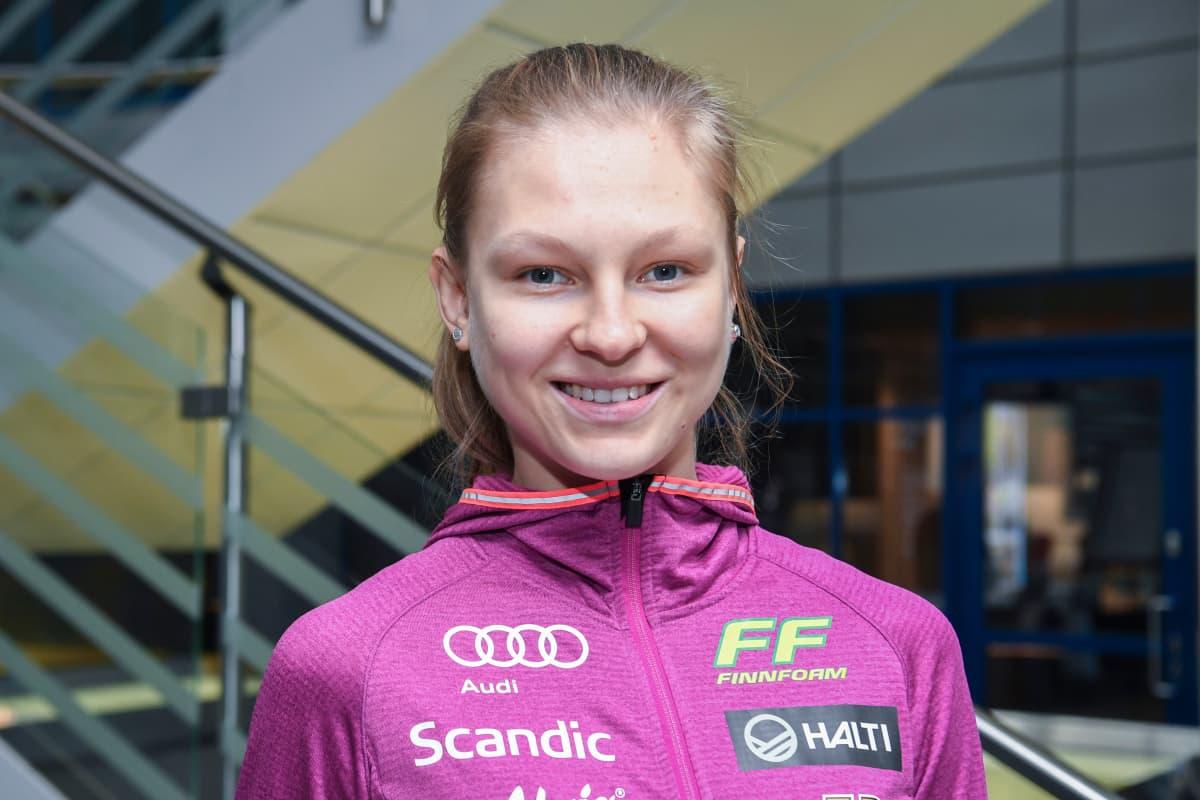 Eveliina Piippo kuvattuna maajoukkueen tiedotustilaisuudessa lokakuussa 2019.