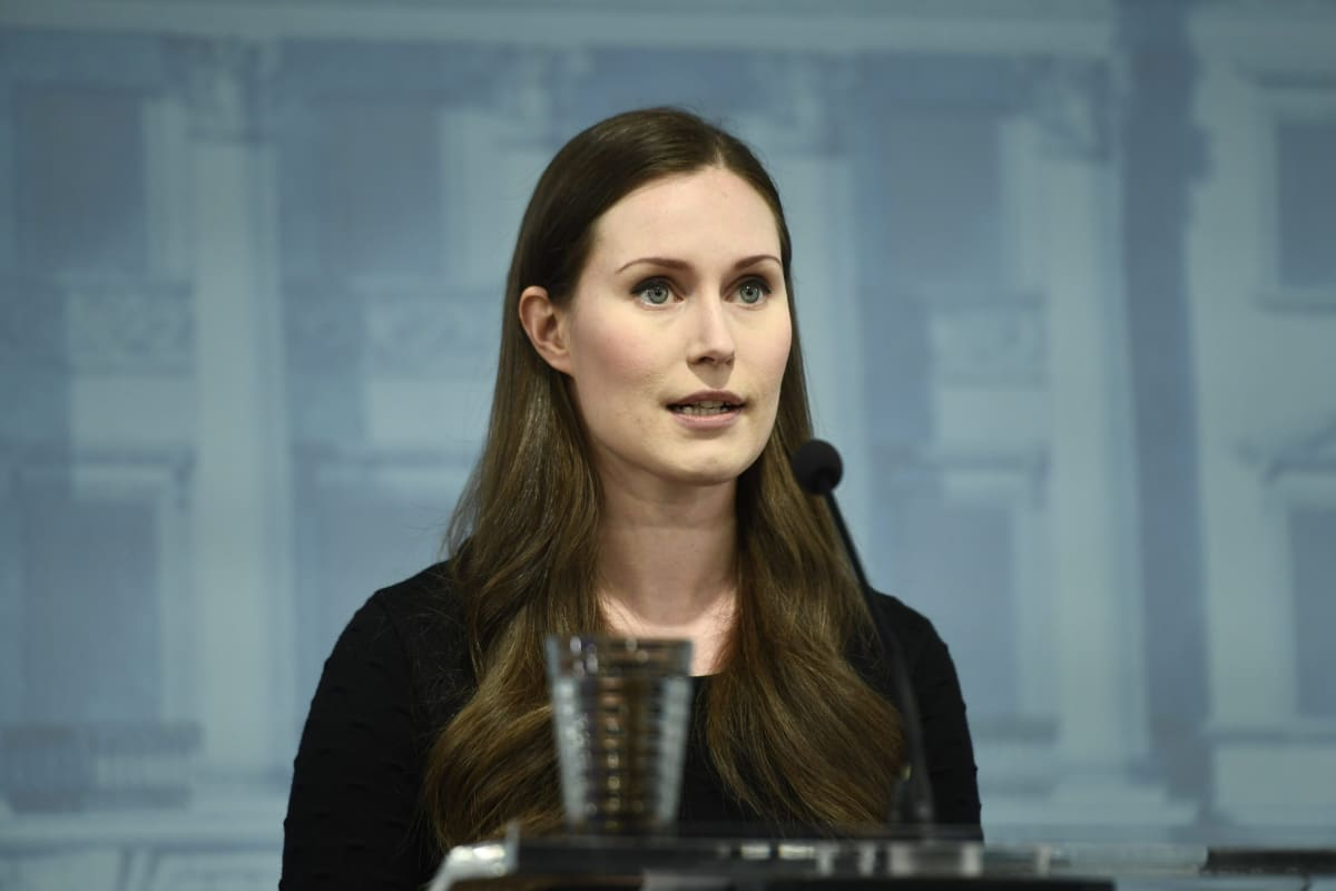 Pääministeri Sanna Marin hallituksen koronatilannekatsauksessa.