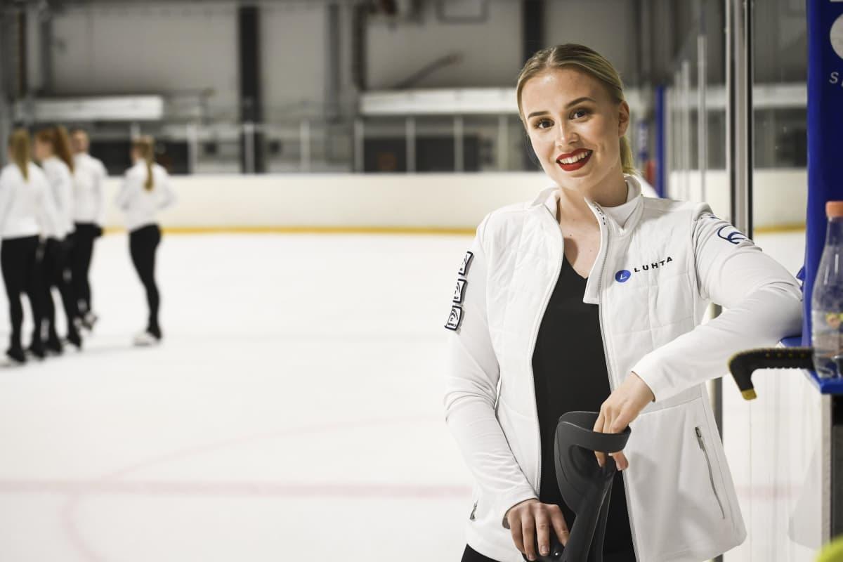 Rockettesin kapteeni Nona Vihma joukkueen harjoituksissa Helsingissä.