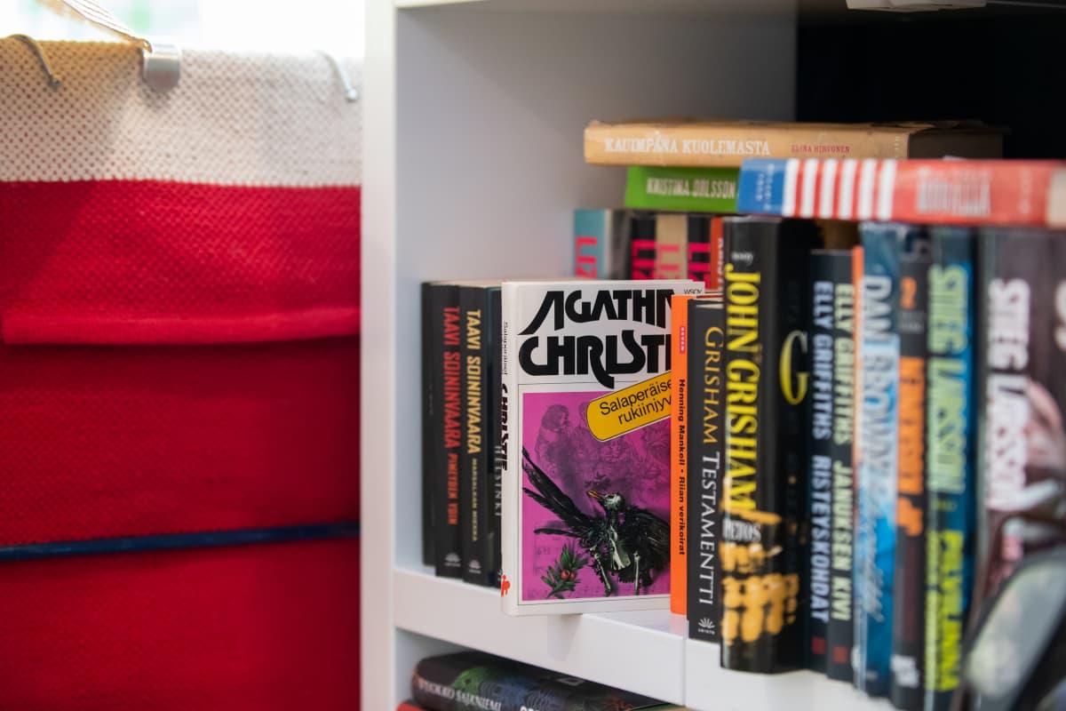 Agatha Christien kirja löytyi myös kirpputori Aarteen Kiertoon valikoimasta.