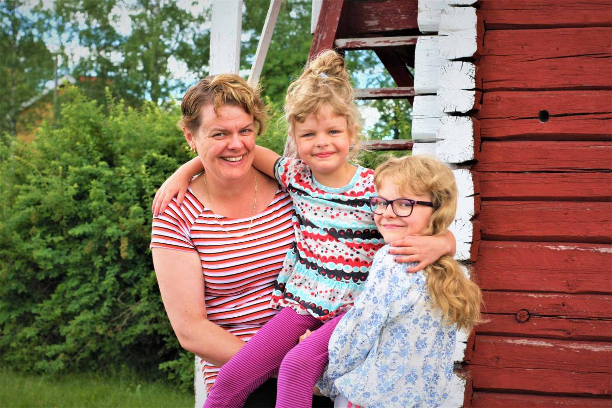 Laura Räsänen ja tyttäret