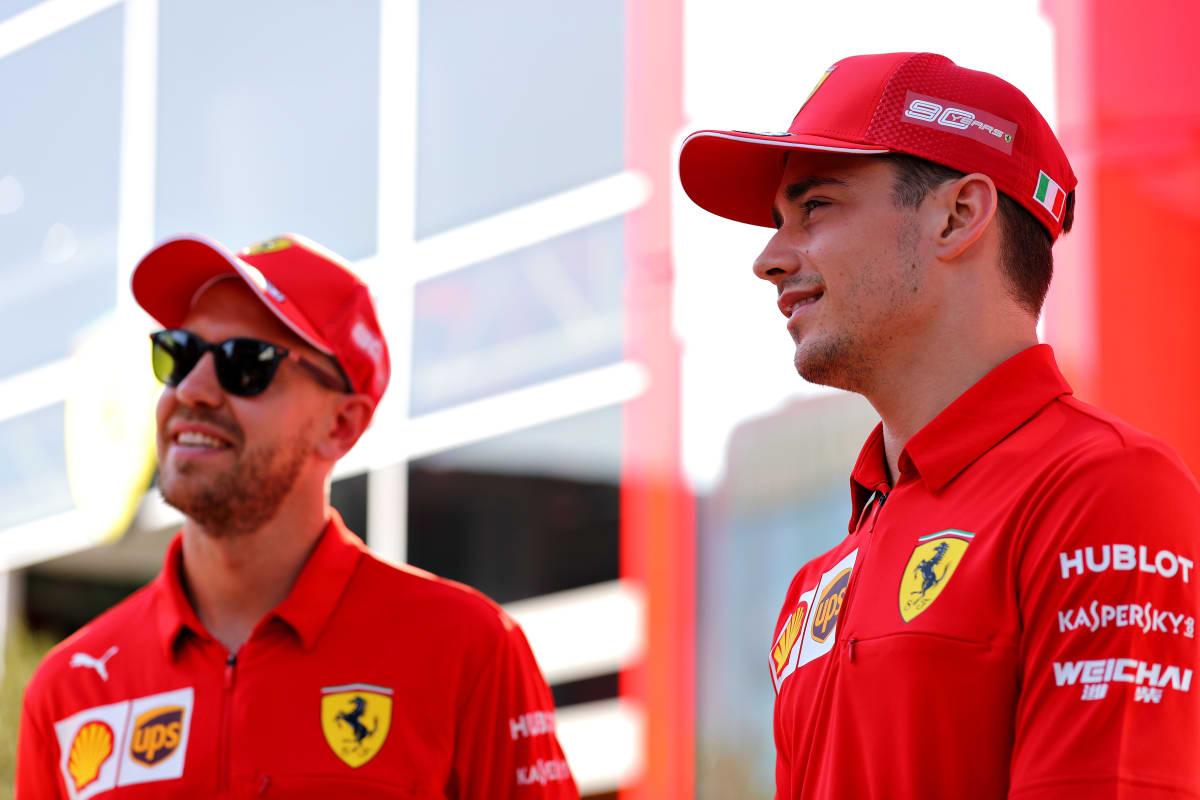 Sebastian Vettel ja Charles Leclerc taistelivat viime vuonna kärkisijoista. Nyt tilanne on toinen.