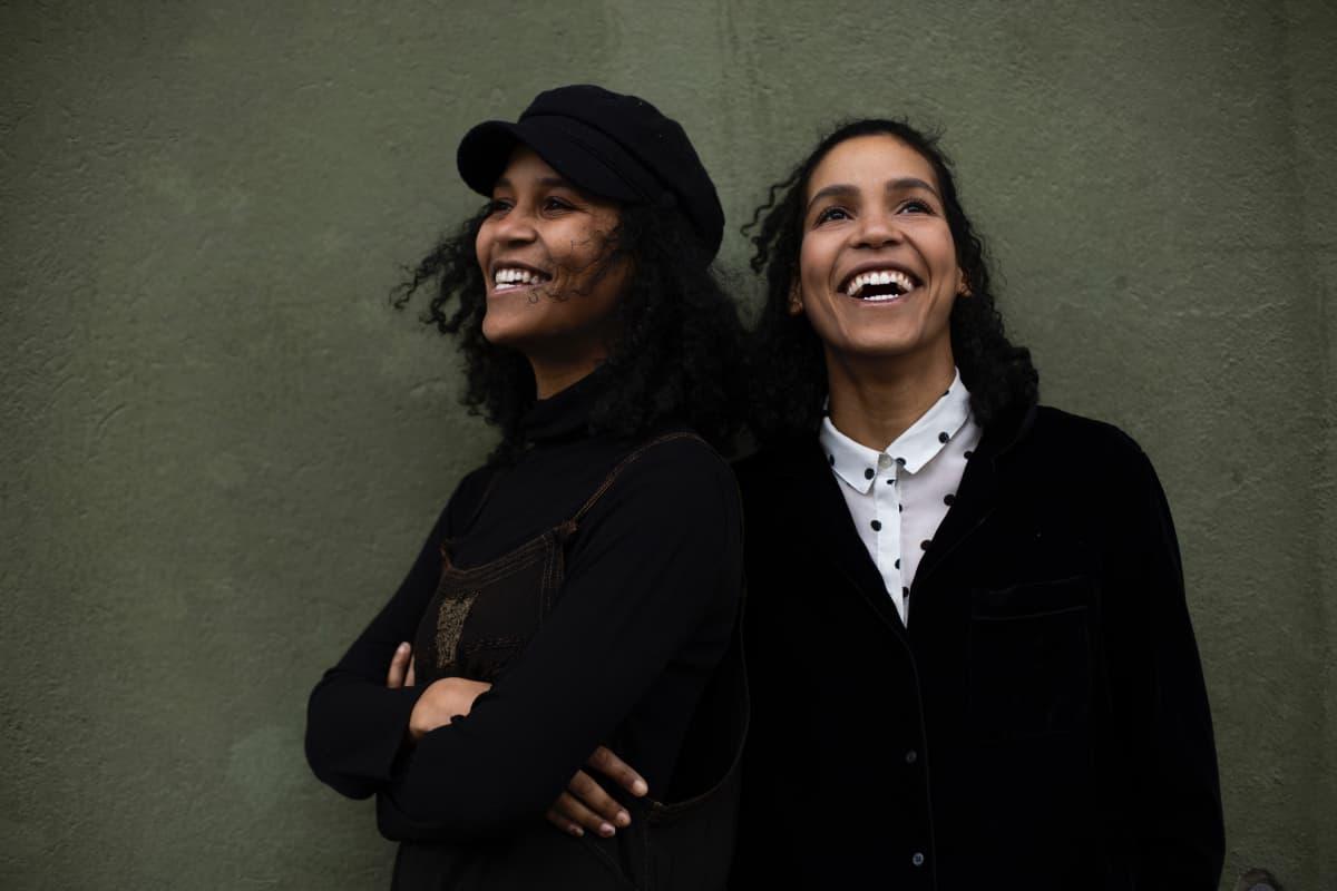 Wanda ja Naomi Holopainen pyörittävät nykyään omaa yritystään.