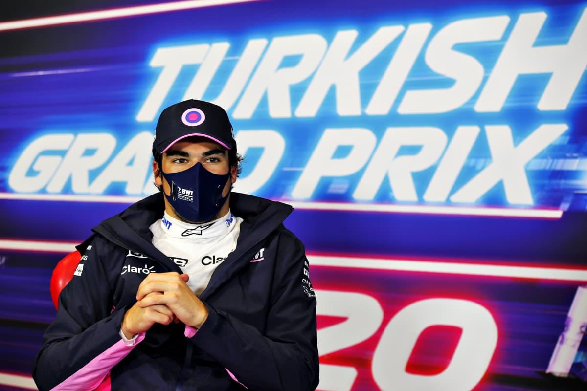 Lance Stroll lehdistötilaisuudessa Turkin osakilpailun jälkeen.