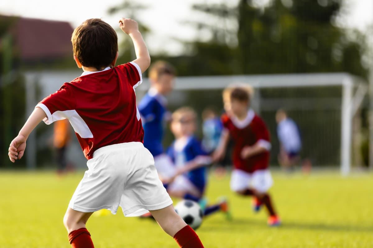 Työväen Urheiluliitto on korostanut puheissaan muun muassa lasten liikkumisen tärkeyttä. Kuvituskuva.