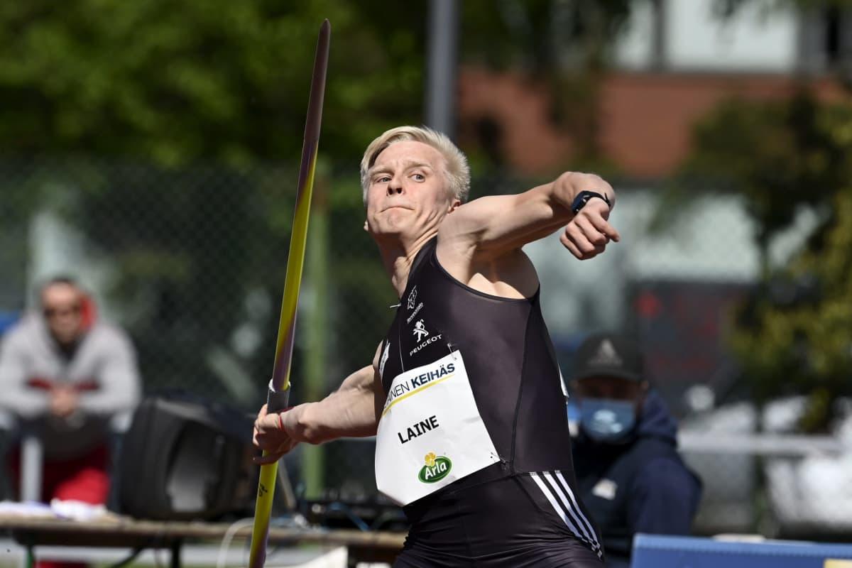 19-vuotias Topias Laine on ensimmäinen maailmassa 80 metriä alle 20-vuotiaana ylittänyt keihäsmies sitten kesän 2017.