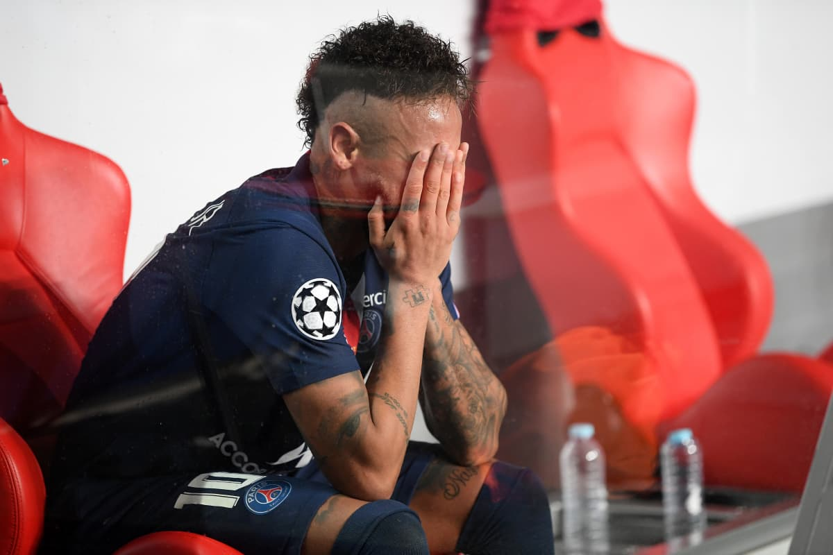 Neymar otti finaalitappion raskaasti.