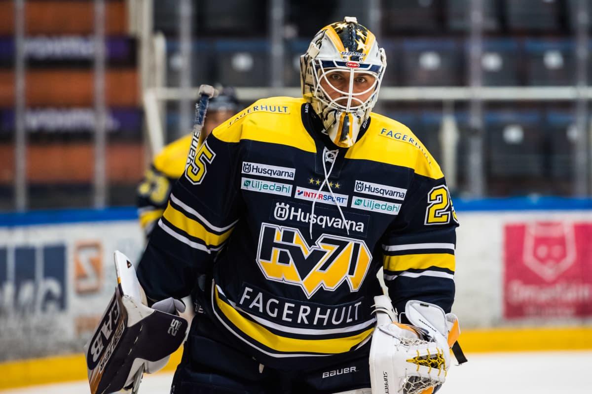 Felix Sandström HV71:n paidassa.