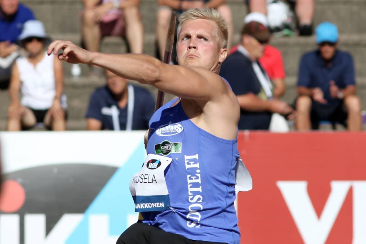 Toni Kuusela kilpailee ensi kertaa urallaan aikuisten arvokisoissa.