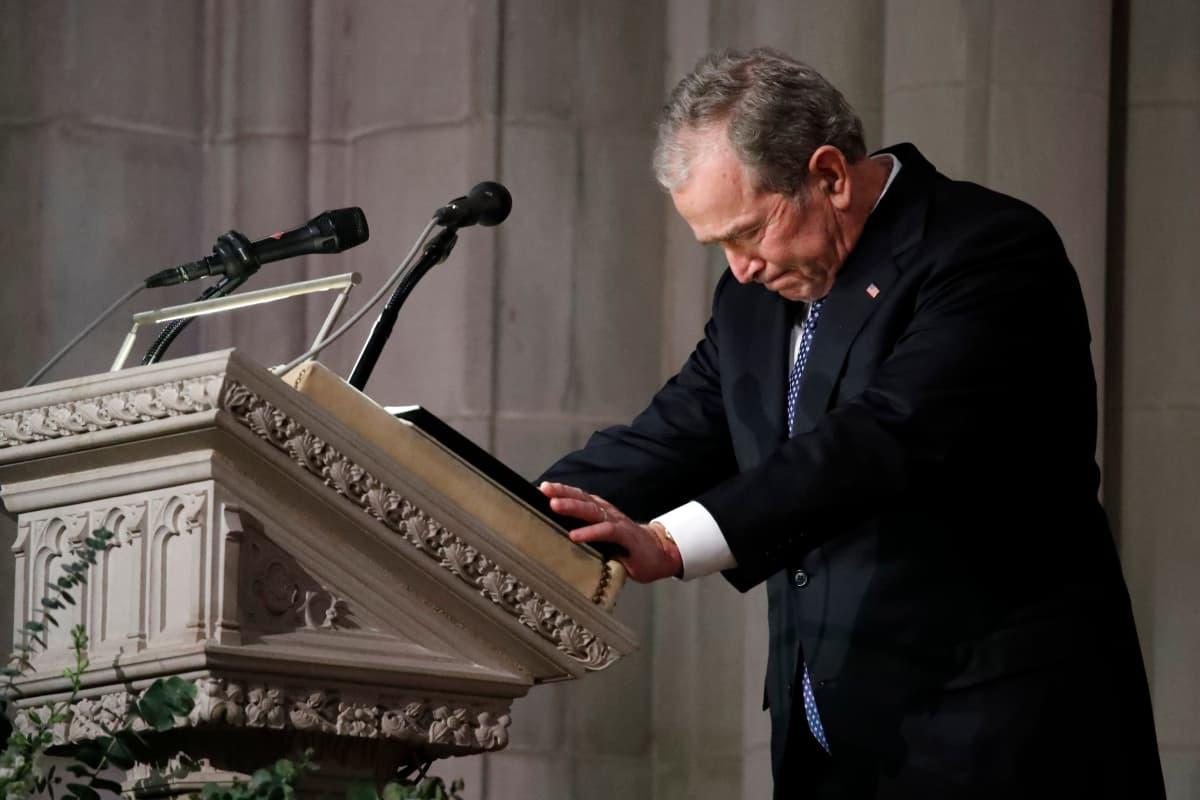 Presidentti George W. Bush joutui keräämään voimia tunteikkaan puheenvuoronsa aikana.