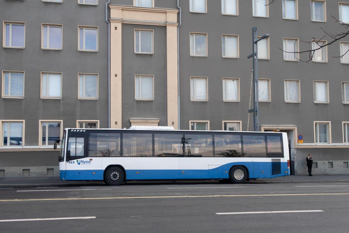 Bussi Nysse linja-auto joukkoliikenne