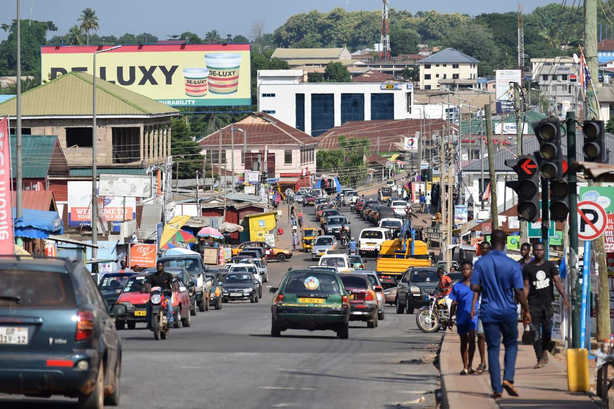 Liikennettä Hon kaupungissa Ghanassa
