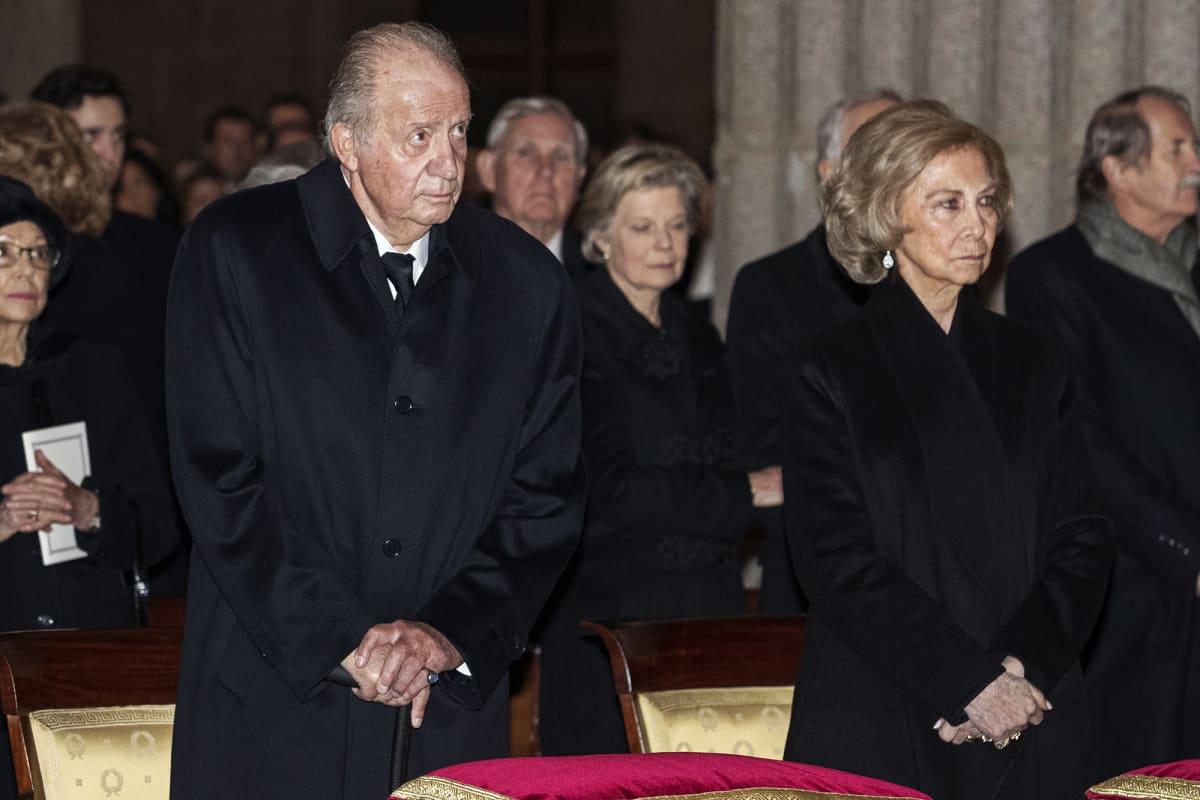 Kuvassa on Juan Carlos hautajaisissa.