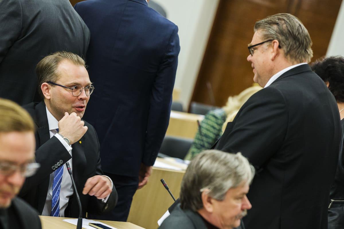 Kuvassa ovat Timo Soini ja Jussi Niinistö.