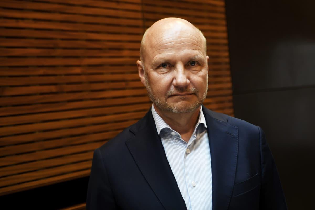 Kuvassa on TEM:n kansliapäällikkö Jari Gustafsson.