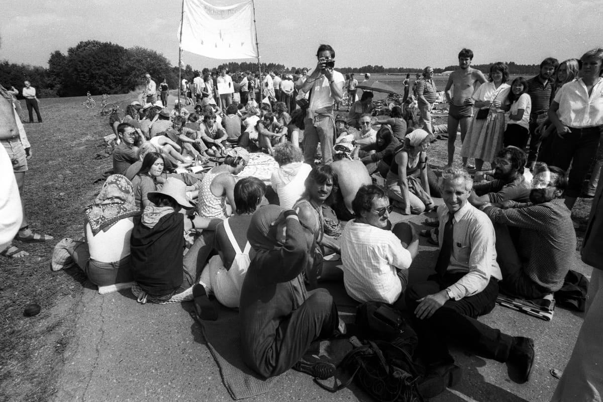 Daniel Ellsberg Pershing-mielenosoituksessa 1. syyskuuta 1983.