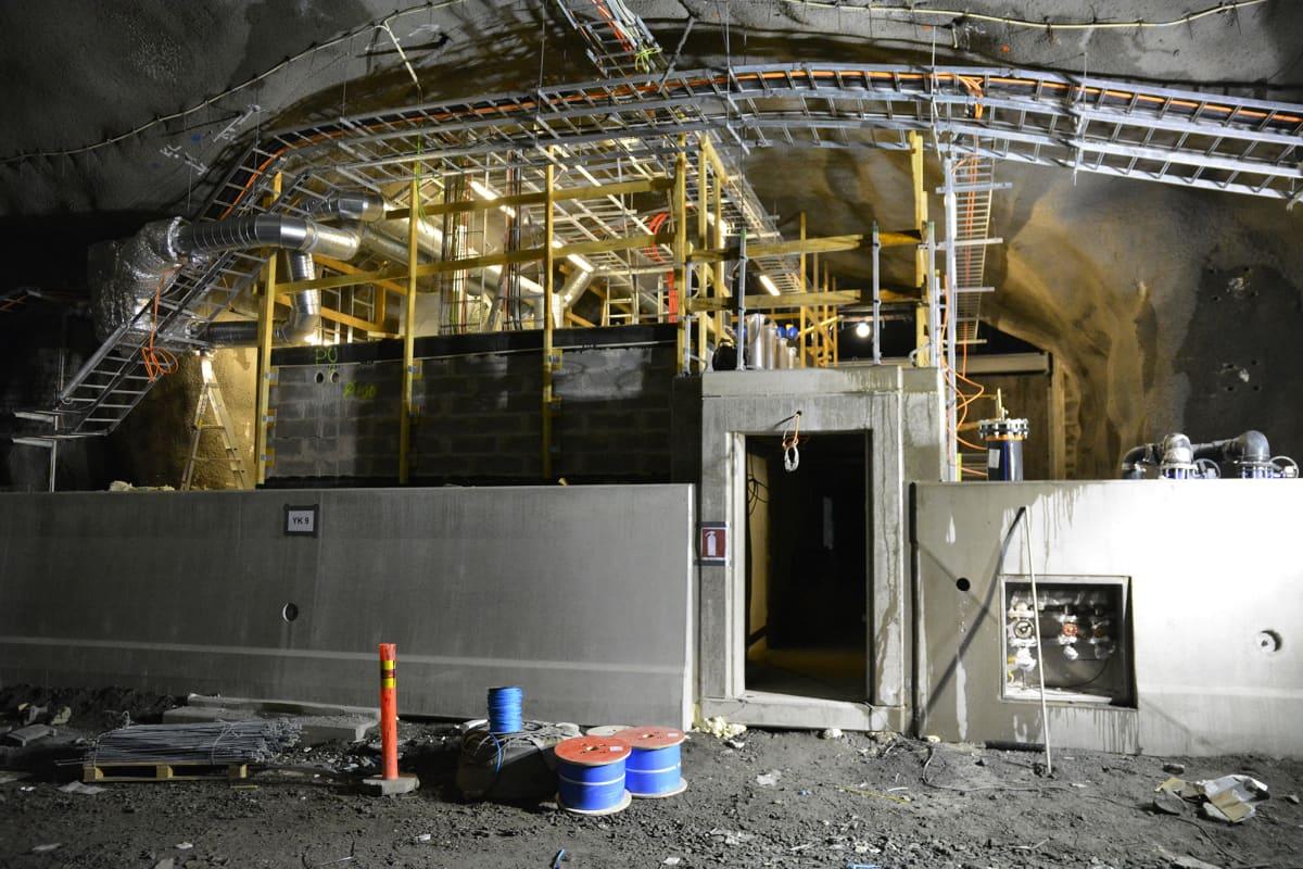 Tunnelinrakenteilla oleva yhdyskäytävä.