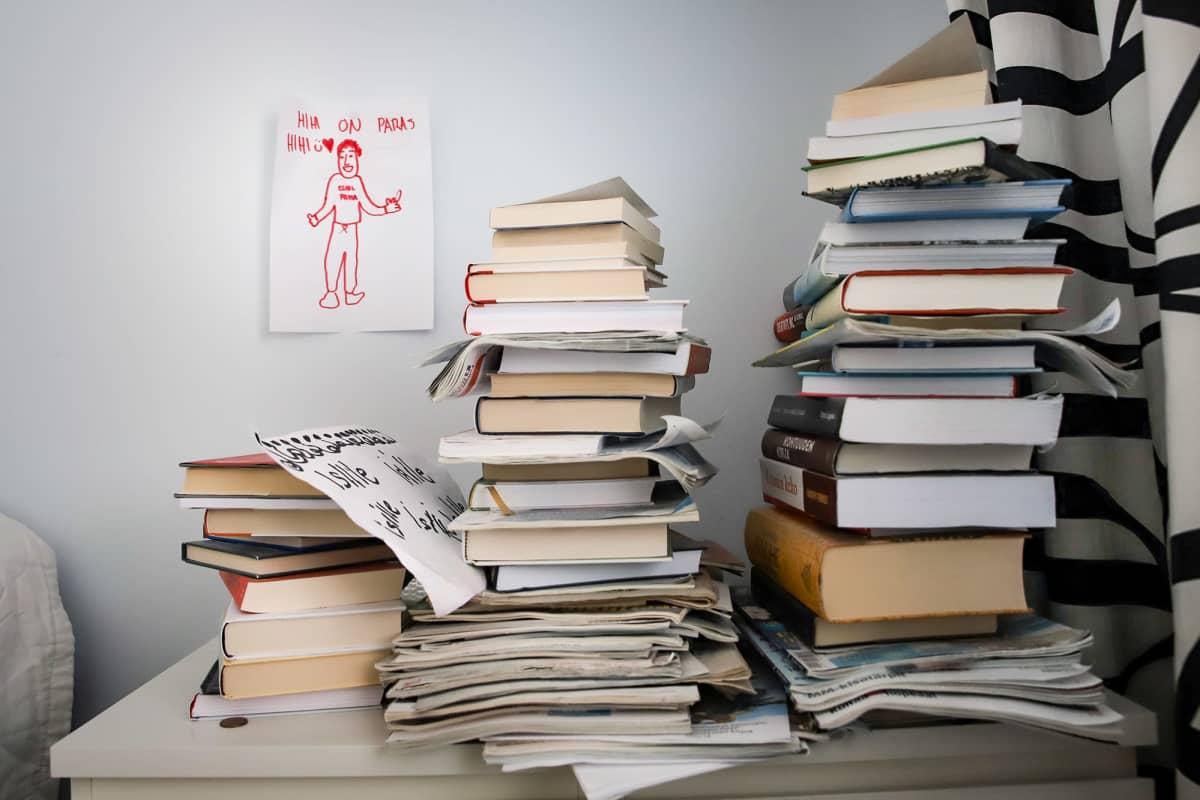 Kirjapino ja lapsen piirustus