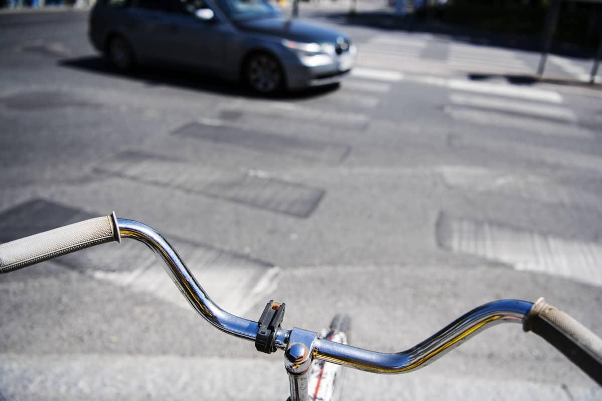 Kuvassa on pyörätien jatke Tampereella kesäkuussa 2020.
