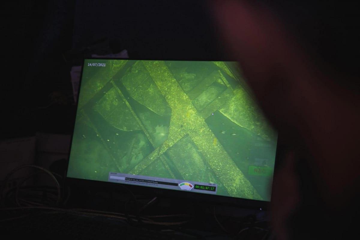 Vedenalaista kuvaa tietokoneen näytöltä katsottuna.