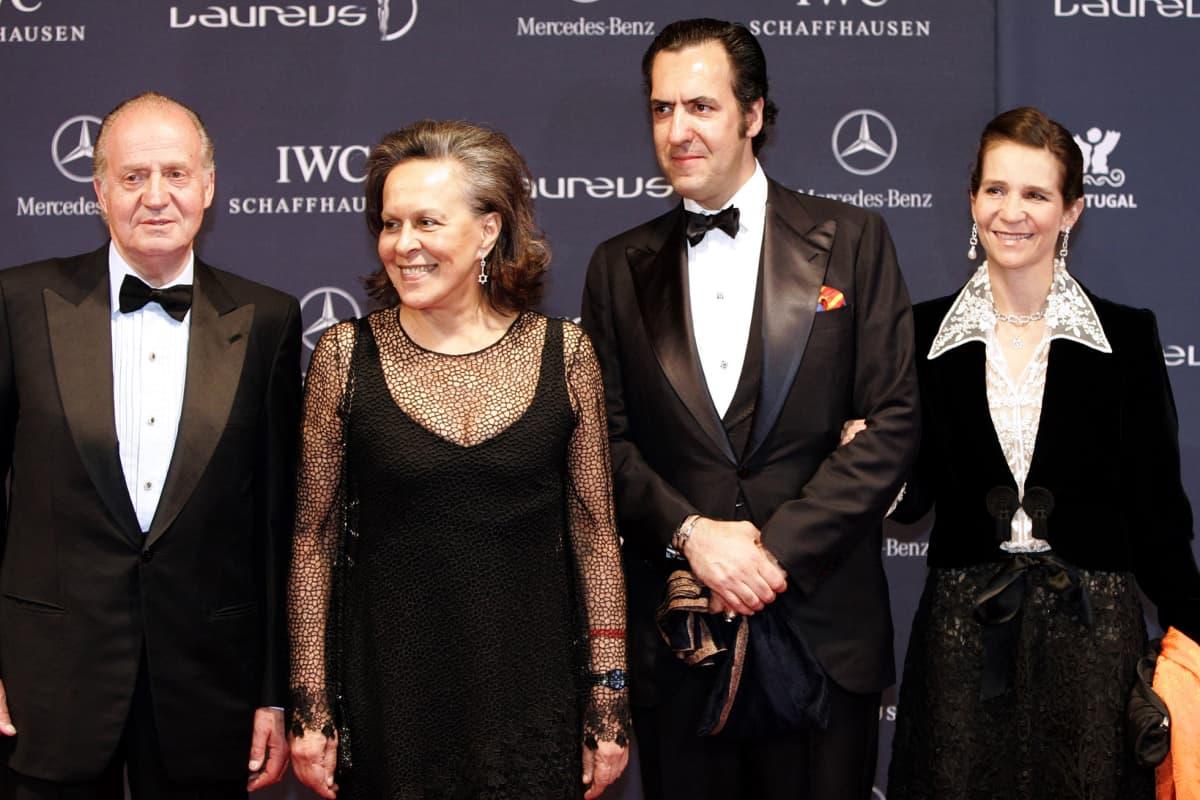 Kuvassa on Juan Carlos, Maria Jose Rita, Jaime Marichalar ja prinsessa Elena Portugalissa vuonna 2005.