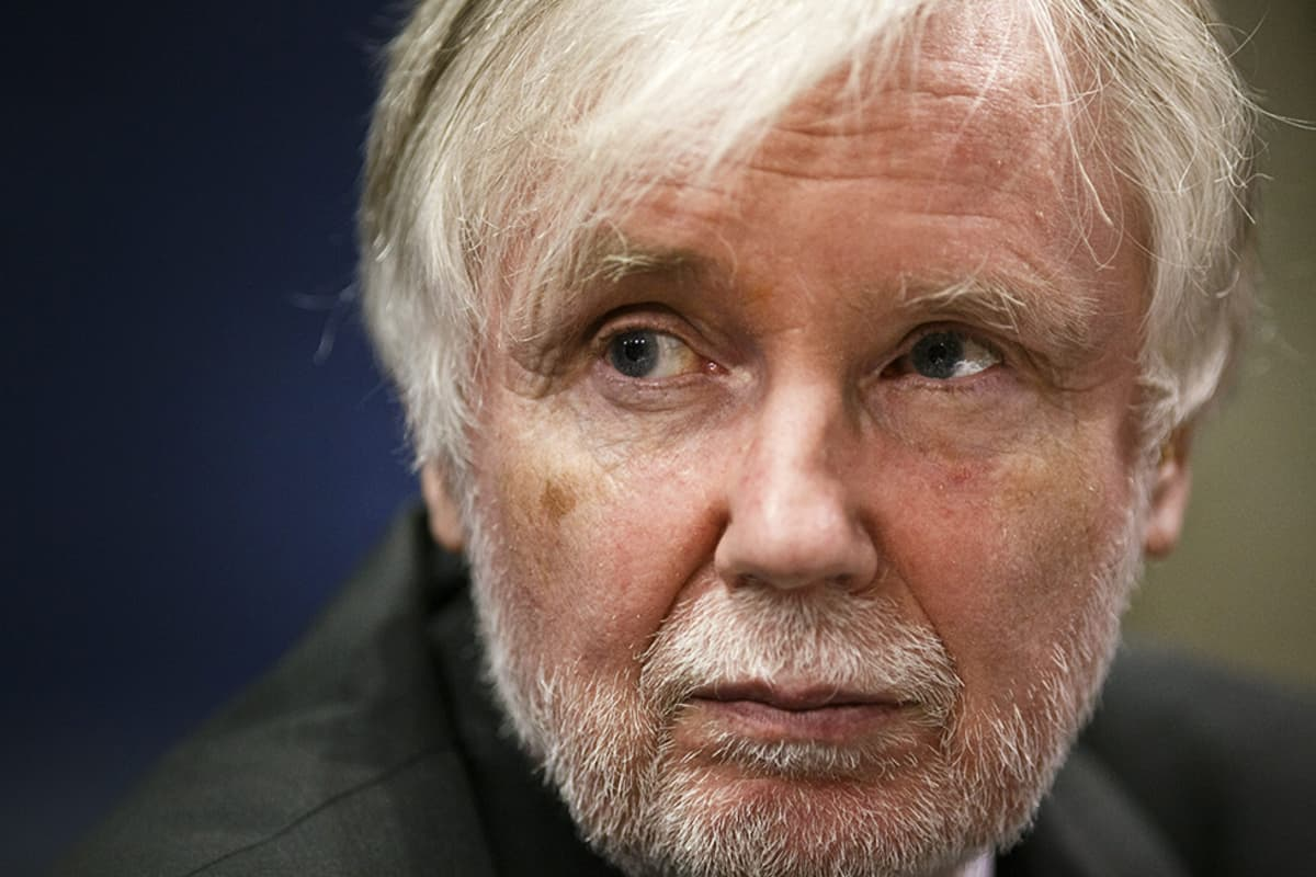 Erkki Tuomioja toukokuussa 2014.