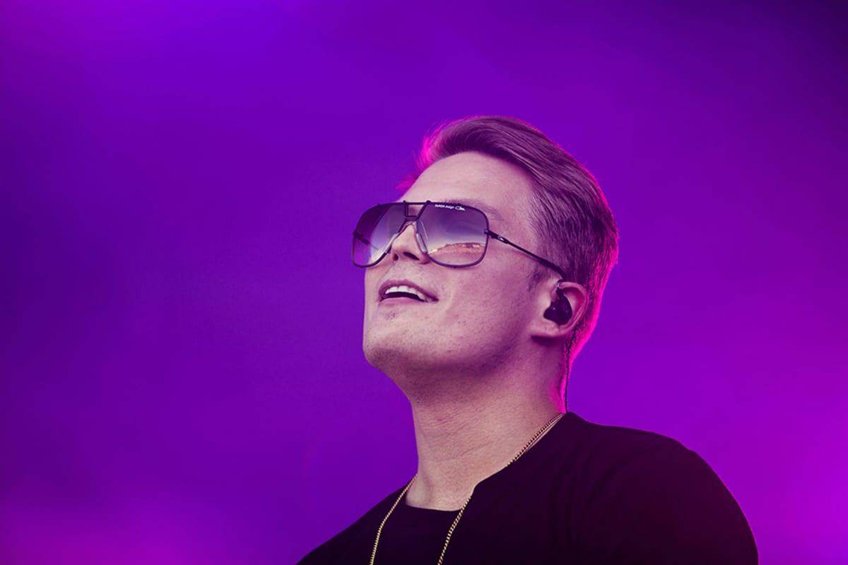 Cheek esiintymässä Ruisrockissa Turun Ruissalossa 4. heinäkuuta 2014.