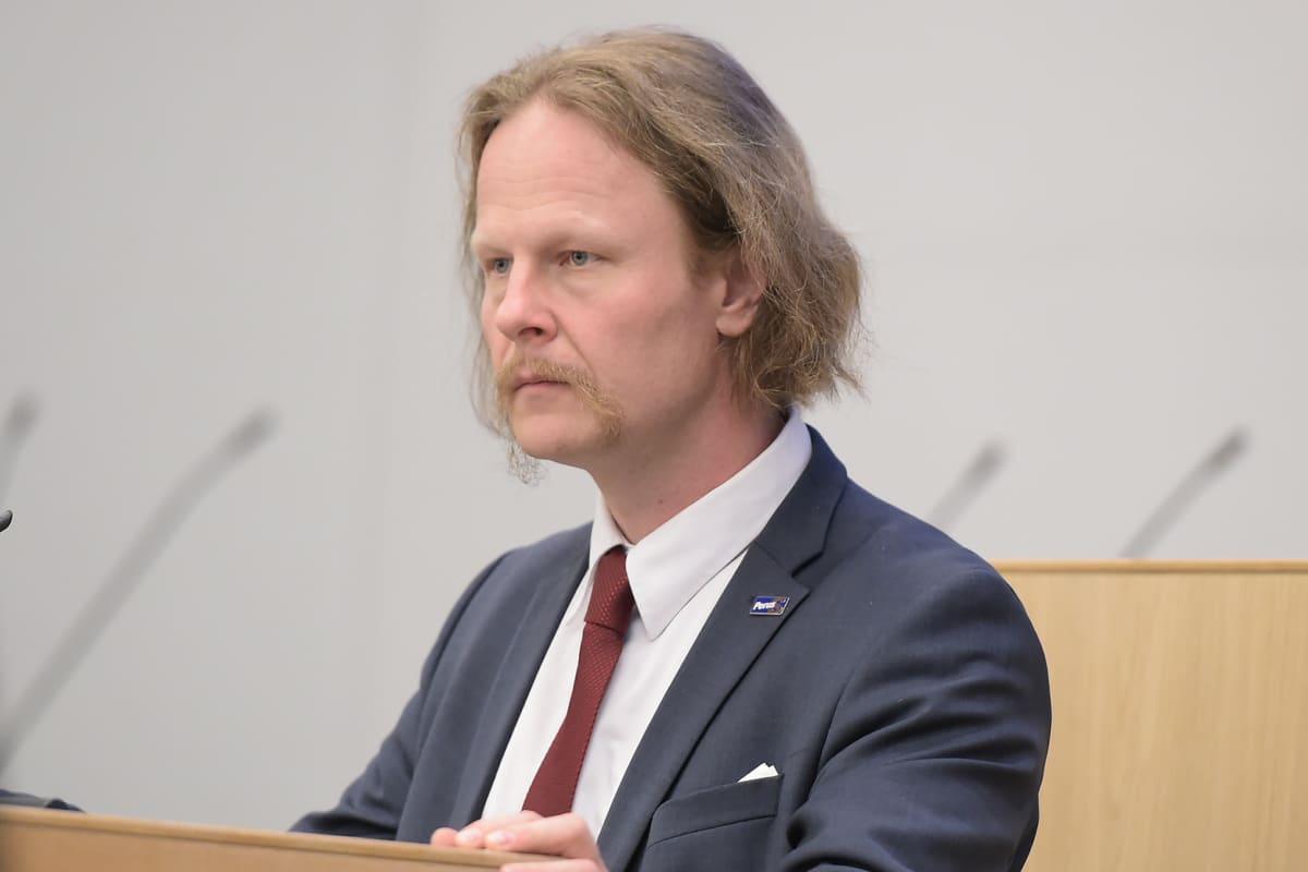 Kansanedustaja Juho Eerola.