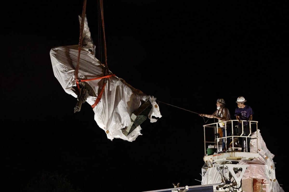 Kristoffer Kolumbusta esittävä patsas poistettiin Chicagossa säilöön viime heinäkuussa sen  jälkeen, kun se oli vandalisoitu ja sen poistamiseksi oli osoitettu toistuvasti mieltä.