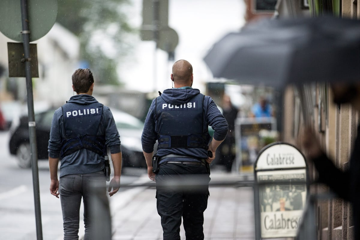 Poliisi vahvistaa: Turun puukottajalla kymmenen uhria – Useita poliisioperaatioita, neljä otettu ...