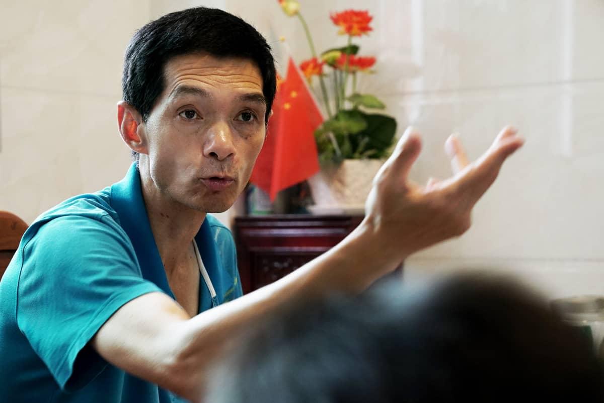 Zhang Debinin mielestä valtion kuuluisi tukea kaikkia ainoan lapsensa menettäneitä perheitä.