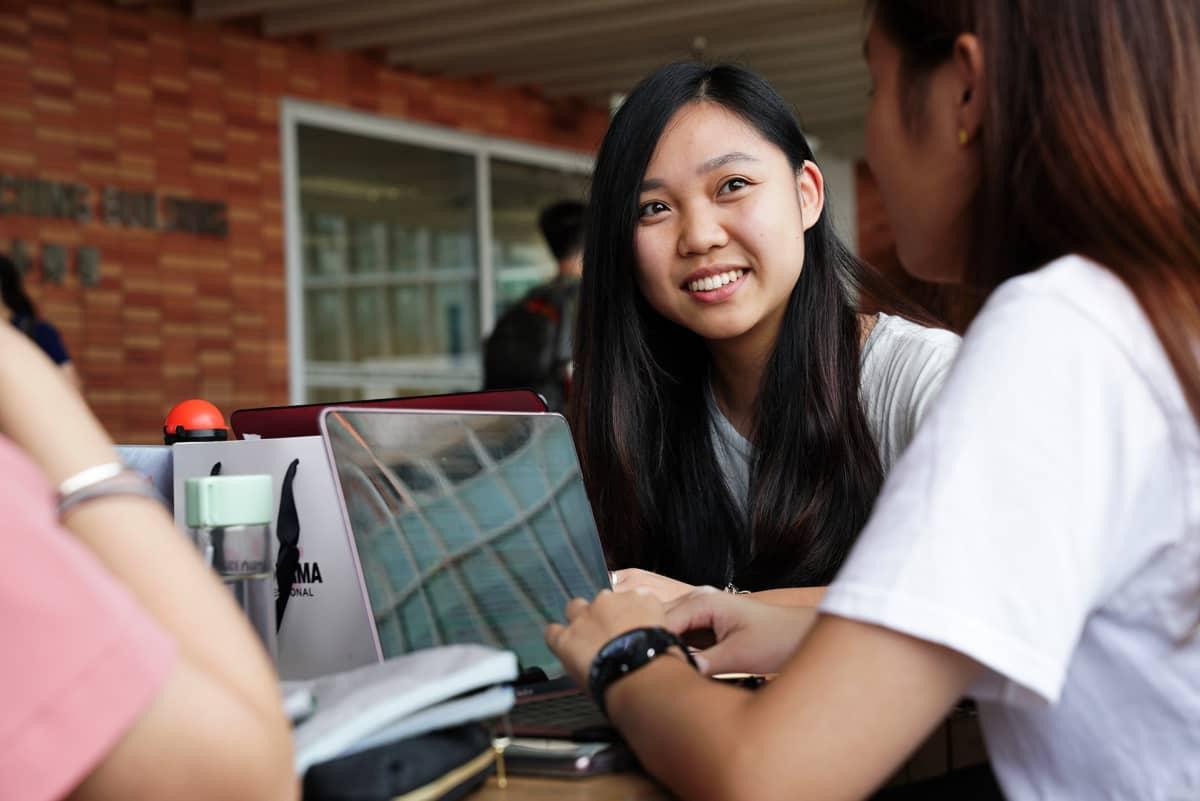Opiskelija Astrid Ho sanoo olevansa huolissaan tulevasta ja siitä, miten Hongkongin tilanne lopulta ratkeaa.