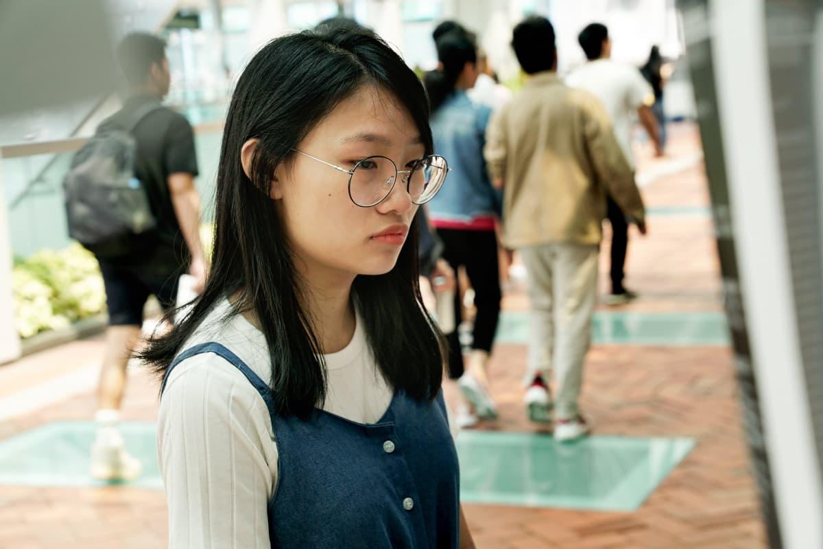 Jenny Lai sanoo olleensa parissa mielenosoituksessa. Hän kertoo vanhempiensa toivovan, ettei hän osallistuisi protesteihin.