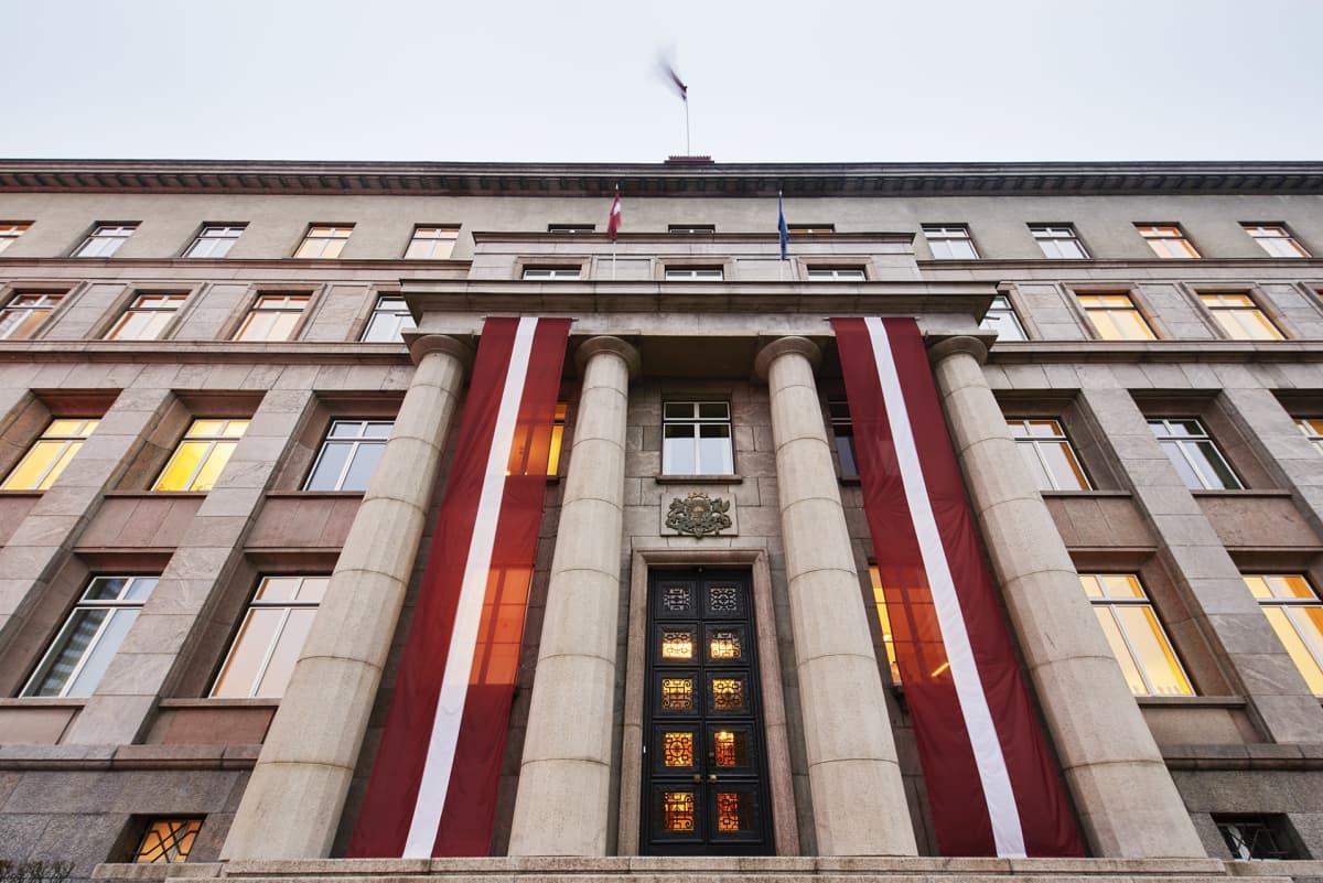 Latvian hallitusrakennus.
