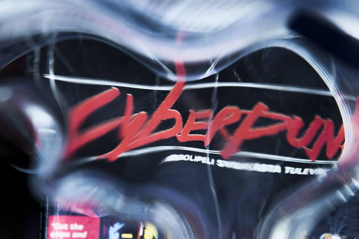 Kuva Cyberpunk 2020 -sääntökirjasta.
