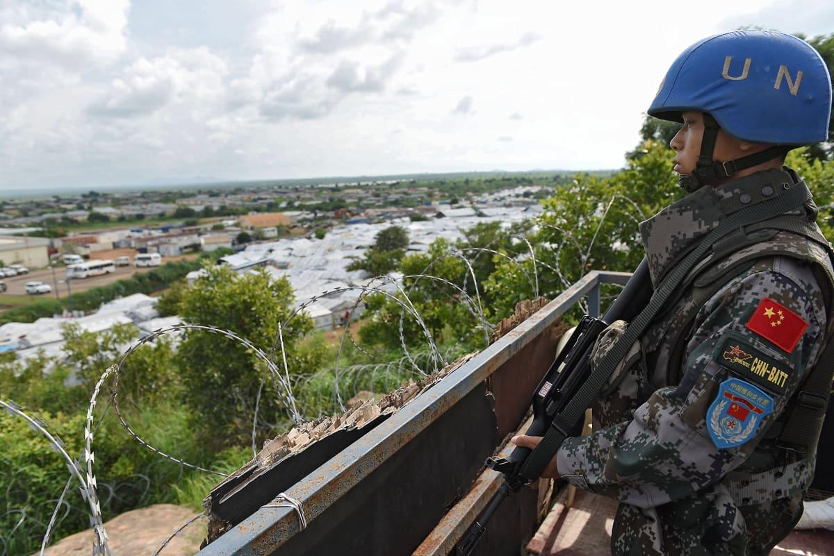 Kiinalainen YK:n rauhanturvaaja Etelä-Sudanin Jubassa 10. elokuuta.
