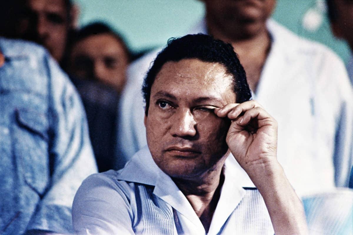 Manuel Noriega kuvattuna vuonna 1988.