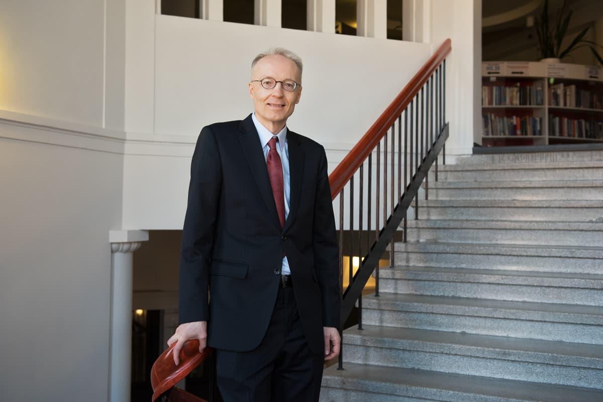 Matti Keloharju professori Aalto yliopisto.