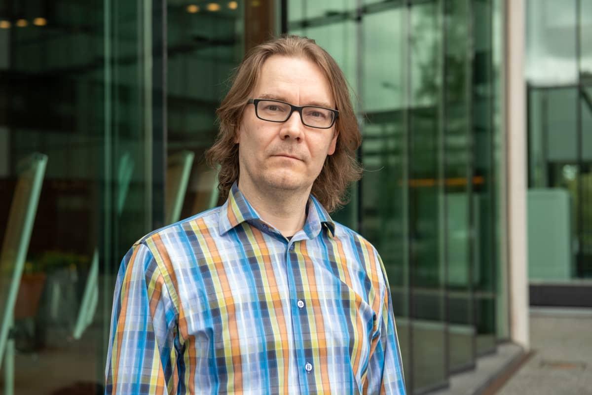 Ekonomisti Hannu Nummiaro. Tapiola. Espoo. 20.5.2021.