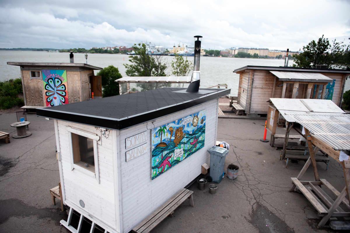 Ylhäältä päin otettua yleiskuvaa Sompasaunalta.