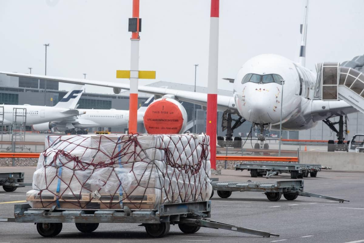 Finnair Cargo terminaali. 5.5.2021.