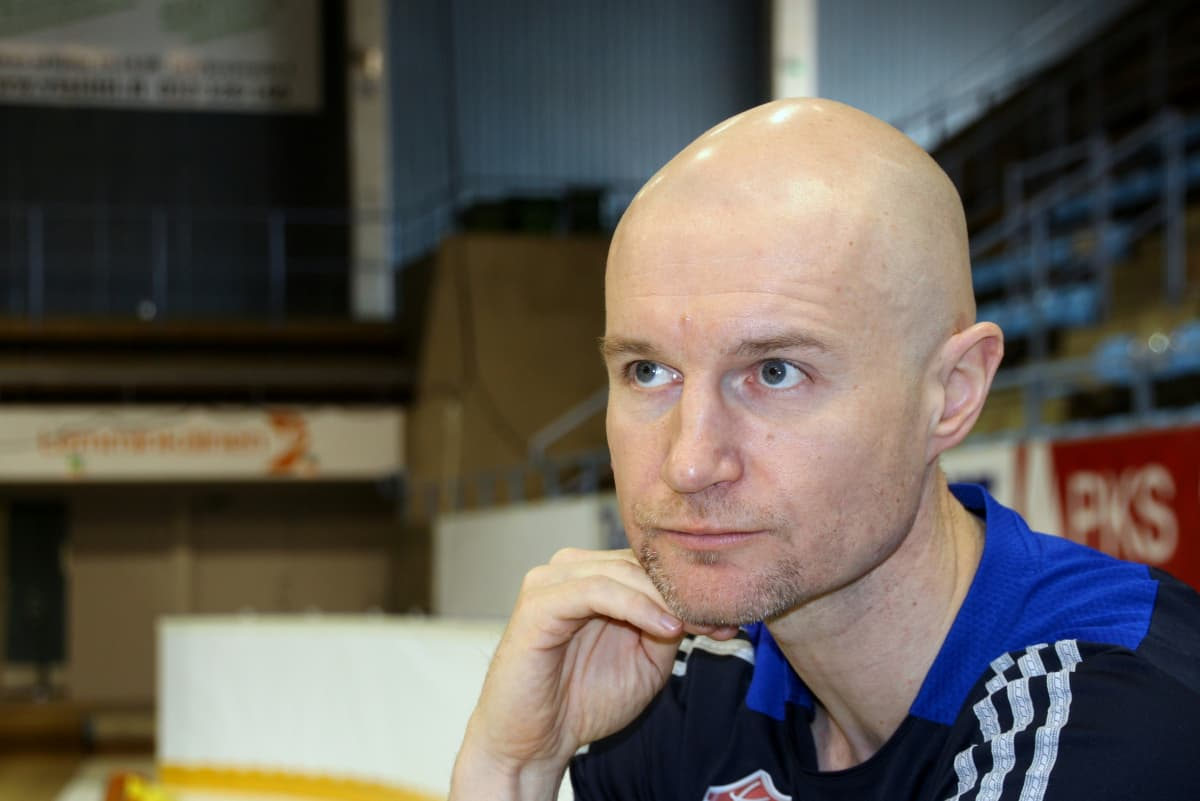 Joensuun Katajan valmentaja Jukka Toijala huhtikuussa 2014