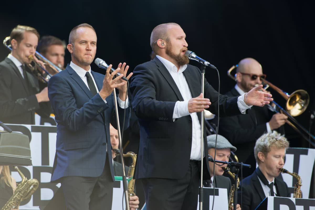 Ricky-Tick Big Band & Julkinen Sana, Tommy Lindgren ja Paleface Flow Festivalilla vuonna 2016